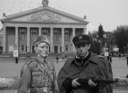 177 тернополян прийшли сфотографуватися з Шухевичем